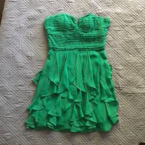 Beauty green dress